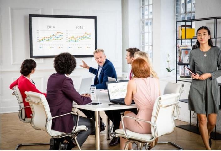 Equipez vos salles de réunion avec le ClickShare CSE-200