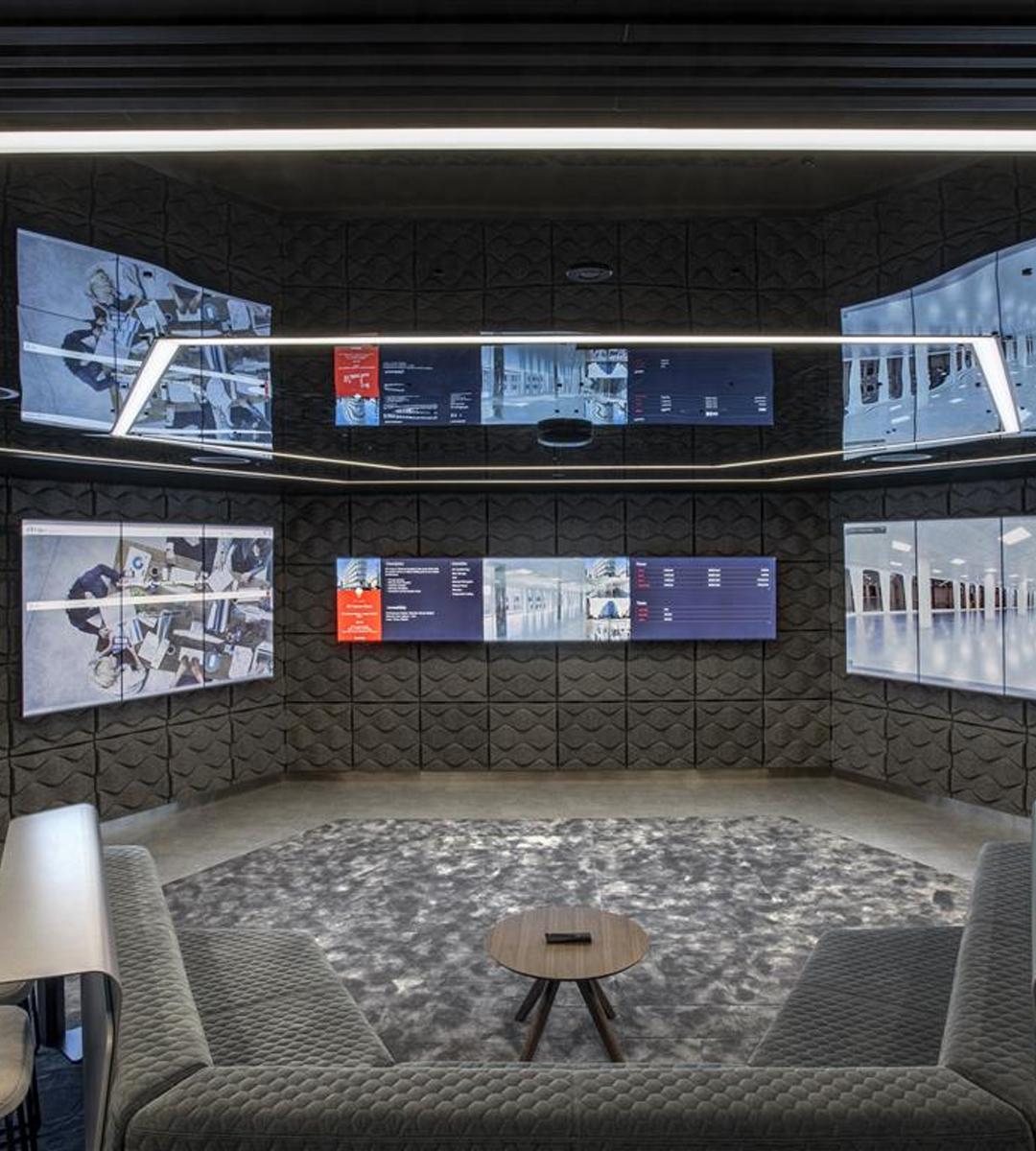 Salle NxT de JLL - salle de décision avec oblong