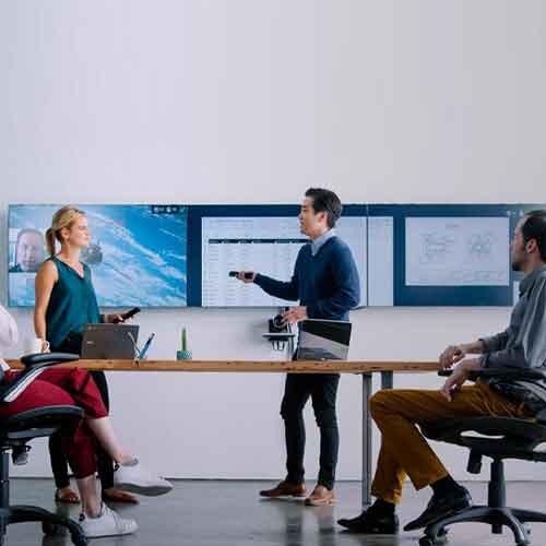 salle de décision digitale avec oblong